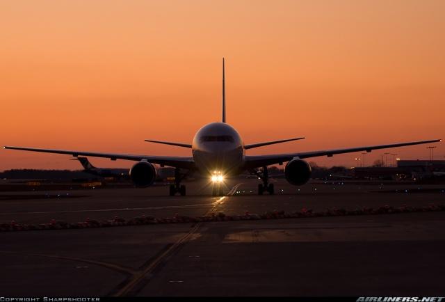 delta-airlines-boeing-767-300er