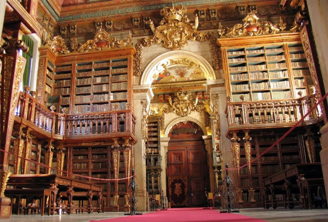 Biblioteca-Joanina-da-Universidade-de-Coimbra-1