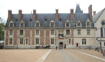 ChateauBloisLouisXIIWing