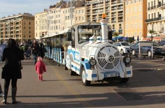 trenzinhos-turisticos-em-marselha-franca
