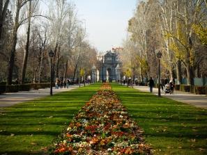 Parque-del-Retiro-Madrid-Espanha-A-Path-to-Somewhere-2