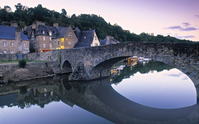 Dinan-Brittany-France_1920x1200