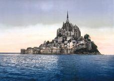 1200px-France-Mont-Saint-Michel-1900_bordercropped