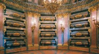 panteon_reyes_monasterio_escorial_t2801094.jpg_1306973099