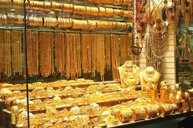 MercadoDeOuro_Dubai_GoldSouk04