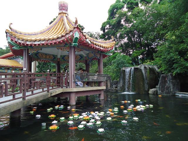 O-fantástico-templo-Kek-Lok-Si-em-Penang-Malásia-10