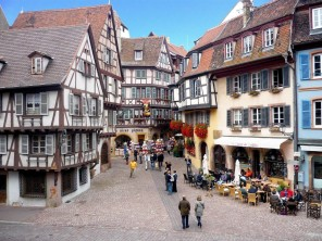 colmar-rue-des-marchands-french-moments