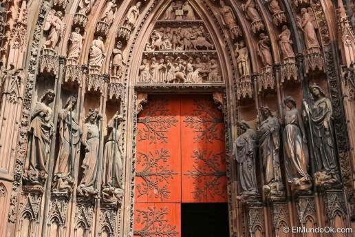 preciosa-catedral-notre-dame-de-estrasburgo-en-francia25