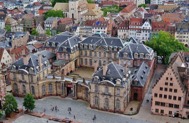 Straßburg_Palais_Rohan_vom_Münster_2