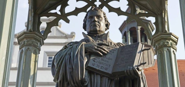 reformation-anniversary-wittenberg-religion-church-responsibility-for-peace-martin-luther